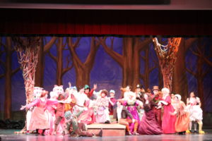 "Student Body Gets a Look at ""Into The Woods"""
