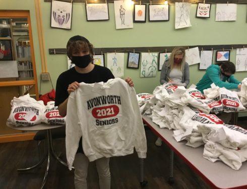 Senior Sweatshirt Distribution Marks One Year Anniversary of COVID Pandemic