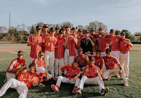 Squeezing the Section – Boys Baseball Wins Section, Continues Playoff Run