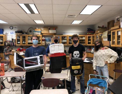 2021 Spirit Week Brings Students, Microwaves, and Decades Stylings Back To School